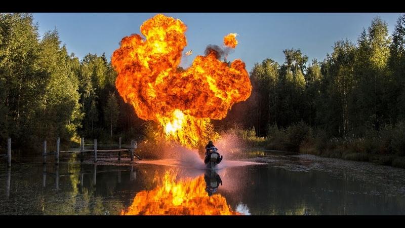 StuntFreaksTeam - Snowmobile On Water (Watercross)