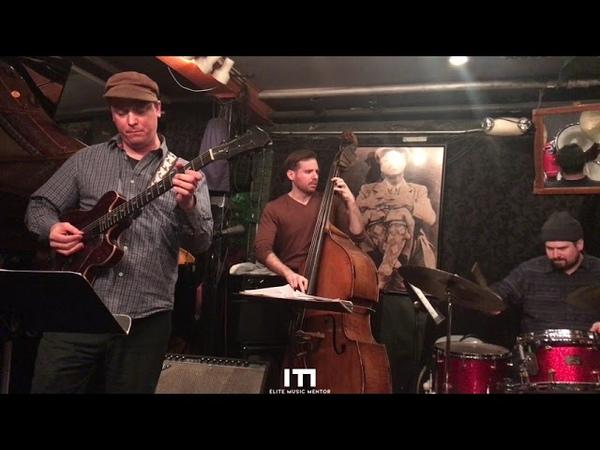 Alexander Claffy 4tet with special guest Kurt Rosenwinkel Blues On The Corner