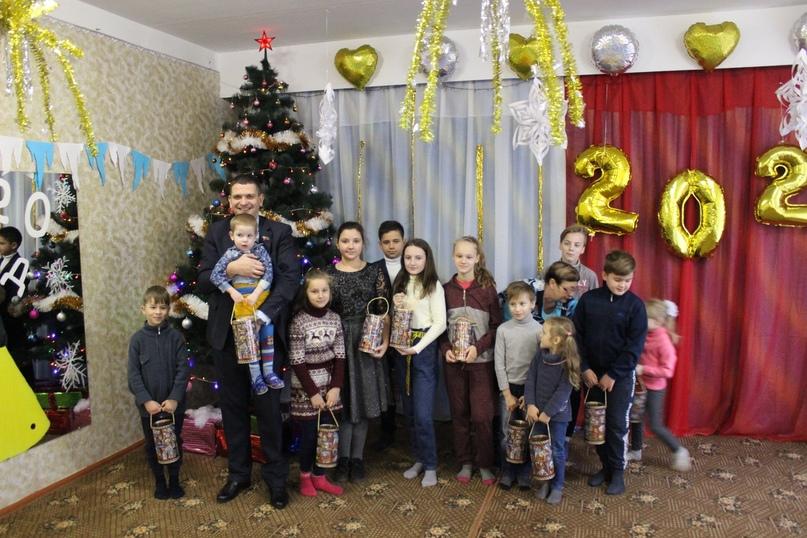Новогодние подарки для детей прифронтовых территорий членов профсоюза образования от российских профсоюзов, изображение №6