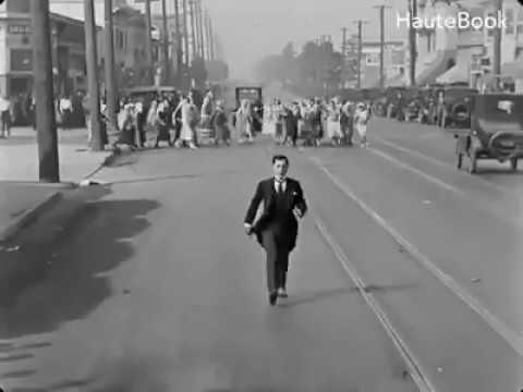 Buster Keaton - Chase Scene 1 - Seven Chances (1925)...