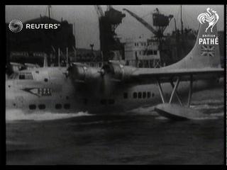 TRANSPORT / INDUSTRY: Flying boat lands on the Thames (1949)