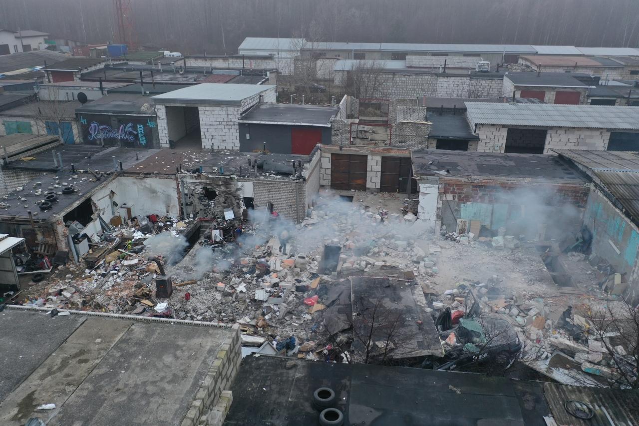 Вот как выглядит место взрыва в гаражном кооперативе сверху
