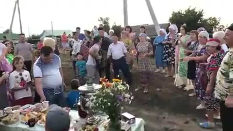 Фирдус Тямаев туган авылында кыздыра