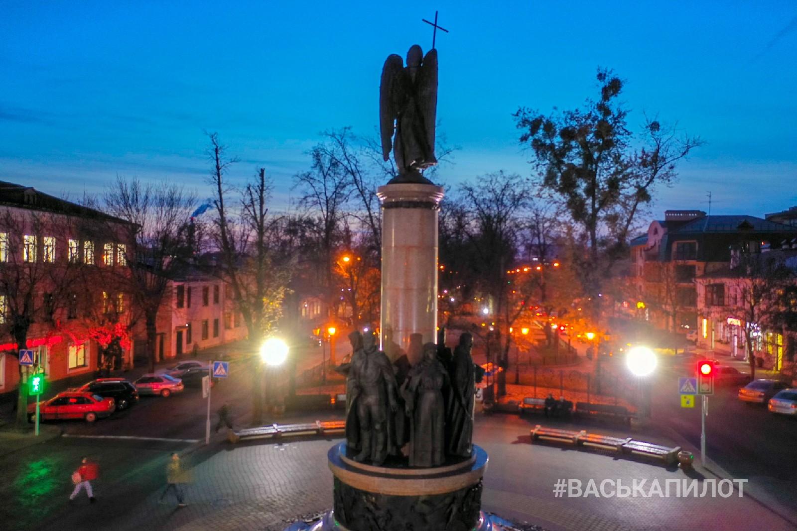 """Посмотрите красивые фото """"ночной"""" улицы Советской в Бресте"""