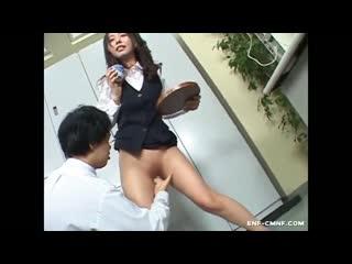ENF, CMNF, OON  с секретарши срезают одежду ножницами прямо на рабочем месте