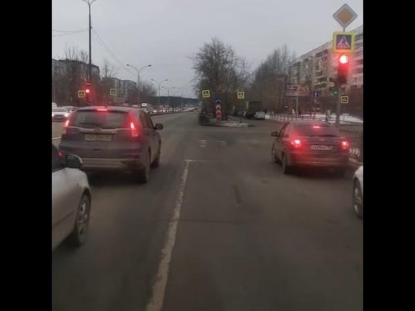 Водитель скорой из Екатеринбурга стал популярным блогером в TikTok   E1.RU