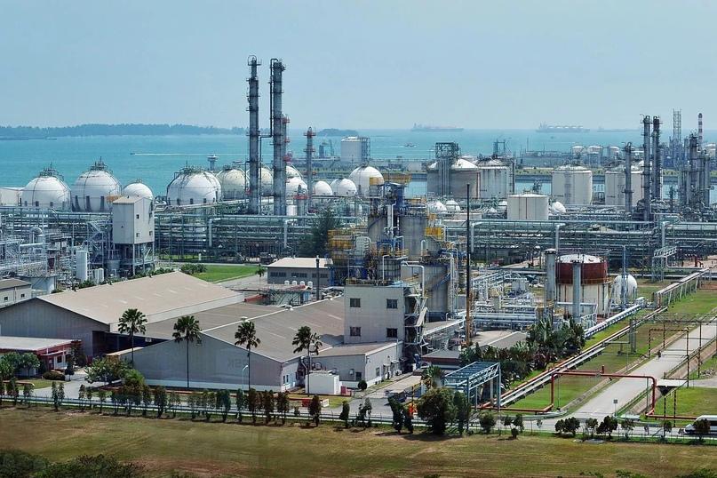 Ежегодно в Сингапуре перерабатывается почти 1 миллион тонн нефти