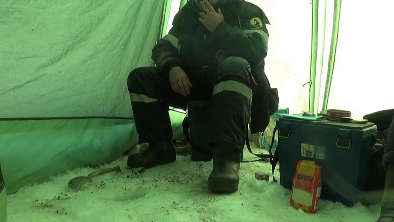 Зимняя рыбалка на таежных озерах Часть специфическая