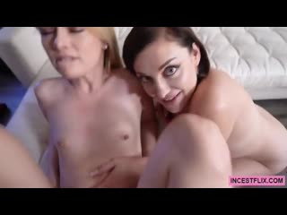 Sovereign Syre, Kennedy Kressler - Mom And Sexy Aunty (3)