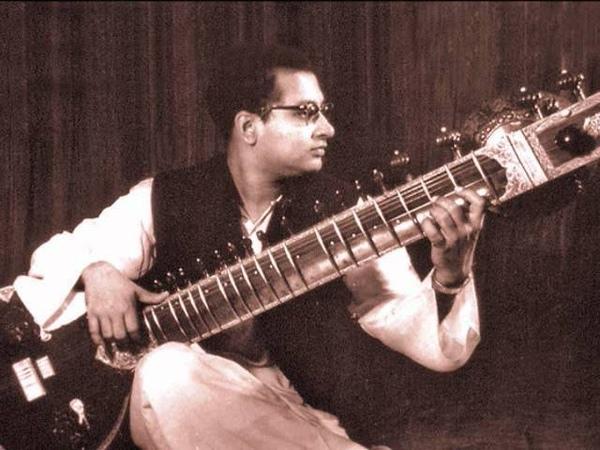 Baul Folk tune from Bengal by Nikhil Banerjee