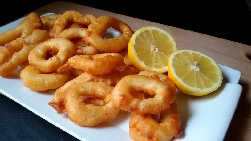 Кольца кальмара в кляре: рецепт хрустящей и сочной закуски к пиву