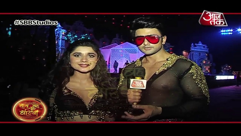 Zee Rishtey Awards 2019 Guddan AJ's ROMANTIC ACT