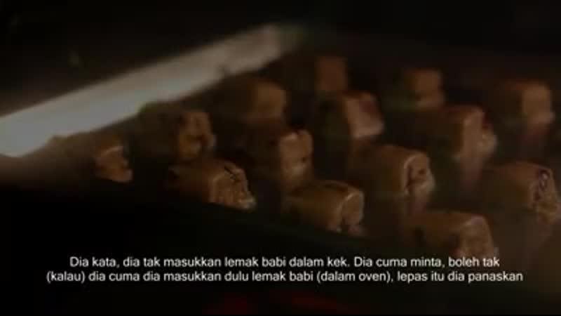 Umat islam yang suka beli kek di kedai kek cina tontonlah video ni
