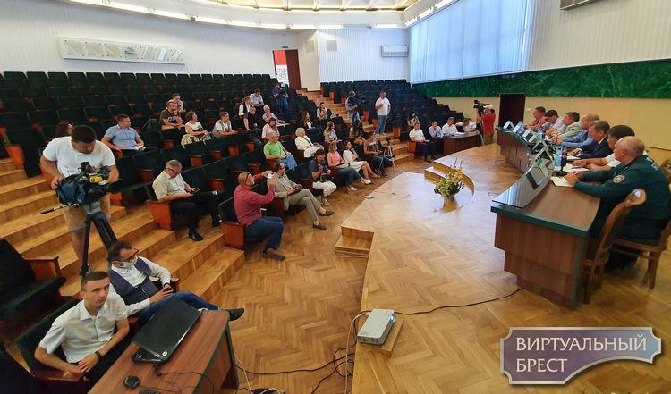 Какие вопросы задавали властям сегодня в горисполкоме на пресс-конференции журналисты