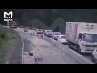 Грузовик в Челябинской области протаранил 5 автомобилей