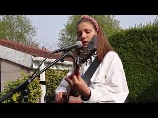 Красивый акустический кавер Maroon 5 - She Will Be Loved от Allie Sherlock
