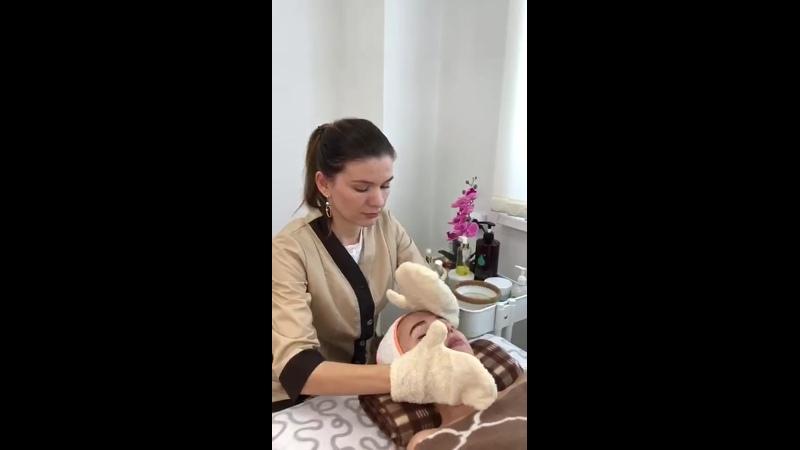 Массаж лица Евгения Шарапова