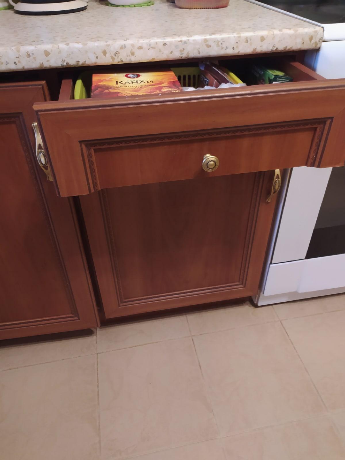 Продам кухонный гарнитур бу ЛДСП