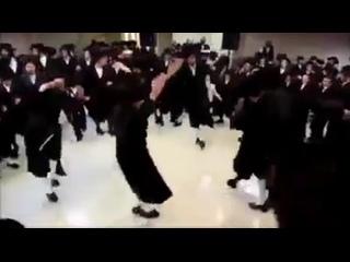 Немного музыки и танца Вам в ленту!