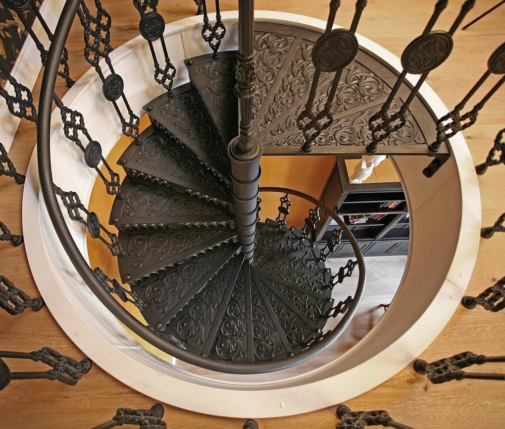 Производство металлических лестниц на заказ