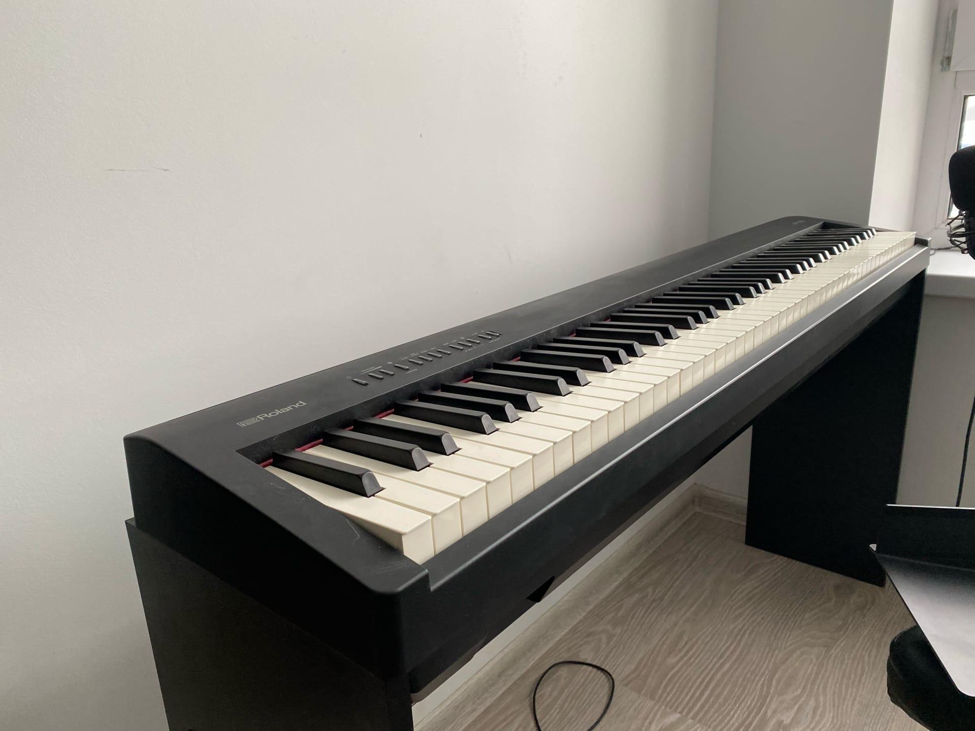 Электронное фортепиано Roland FP-30