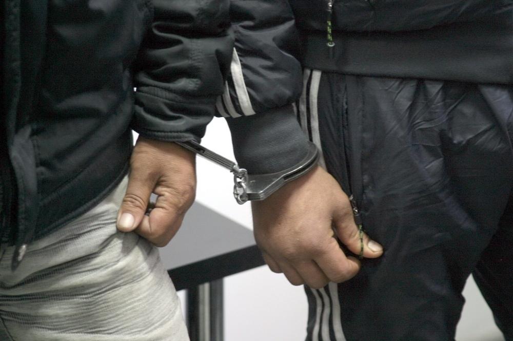 Под Таганрогом полицейские задержали двух воров-рецидивистов
