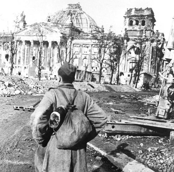 Штурм Рейхстага– завершающий этап Берлинской наступательной операции, задачей к...