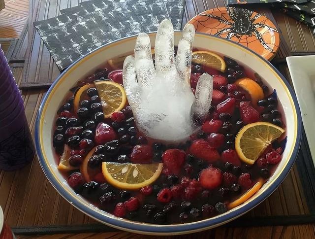 Кухня монстров или Угощаем гостей на Хэллоуин (десерты, сладости, напитки)