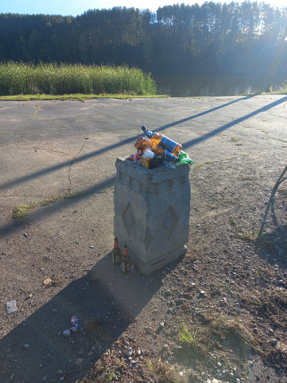 Сезон закрыт, мусор больше на пруду не