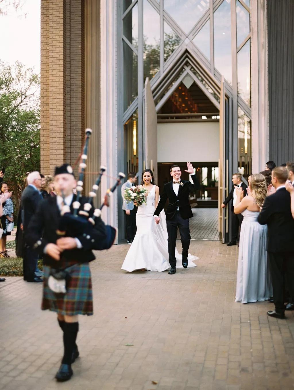 UR6ifpG4lao - Как найти веселого ведущего на свою свадьбу