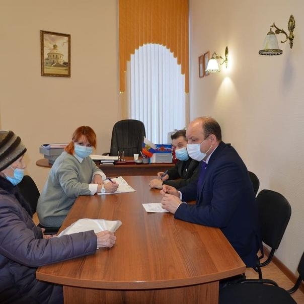 С февраля администрация городского округа возобновила   личные приемы граждан...