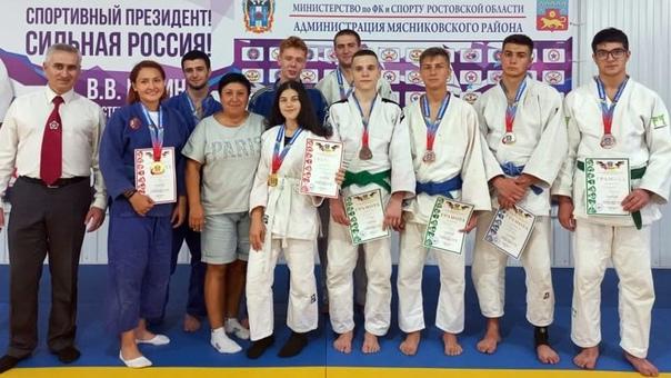 Новочеркасские спортсмены выиграли областное юноше...