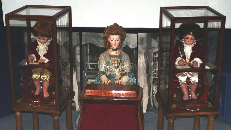 «Забытая история»: Механические куклы Jaquet-Droz созданные 250 лет назад до сих пор пишут, рисуют и играют музыку