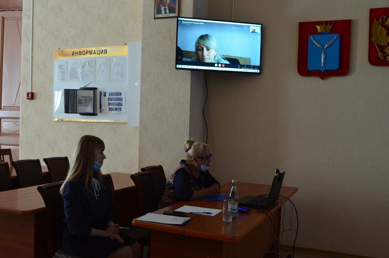 Руководитель Саратовской юридической клиники ответила на вопросы петровчан