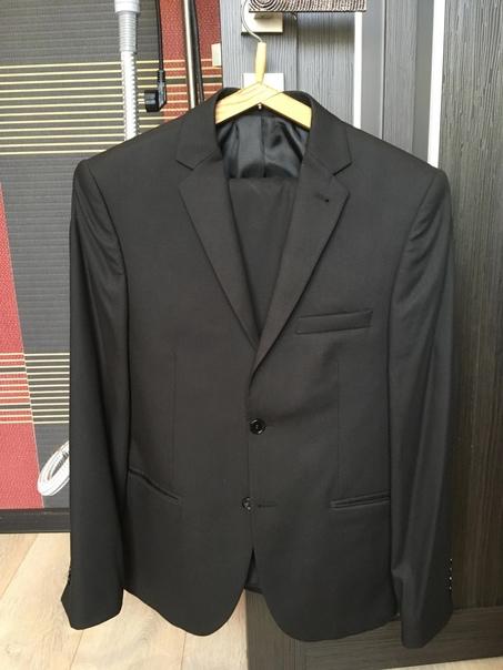 Продаются новые мужские 2 костюма и 2 пиджака.Реал...