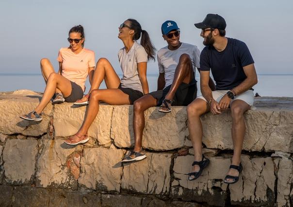 Друзья, лето еще в разгаре, но мы уже объявляем скидки на некоторые модели летней одежды и обуви.