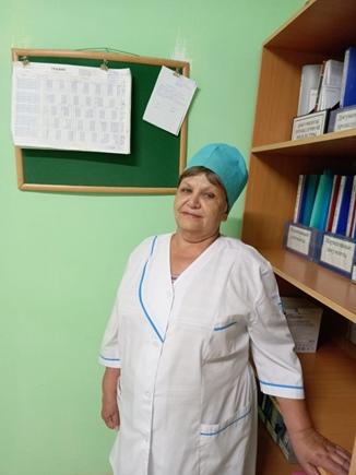 Ганюкова Любовь Владимировна – медицинская сестра, стаж работы 37 лет.