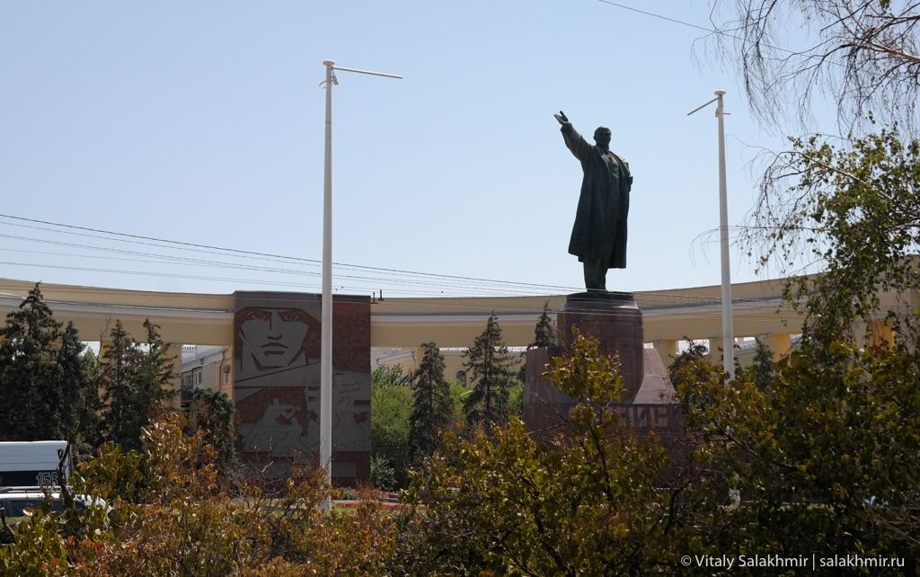 Памятник Ленину на площади, Волгоград