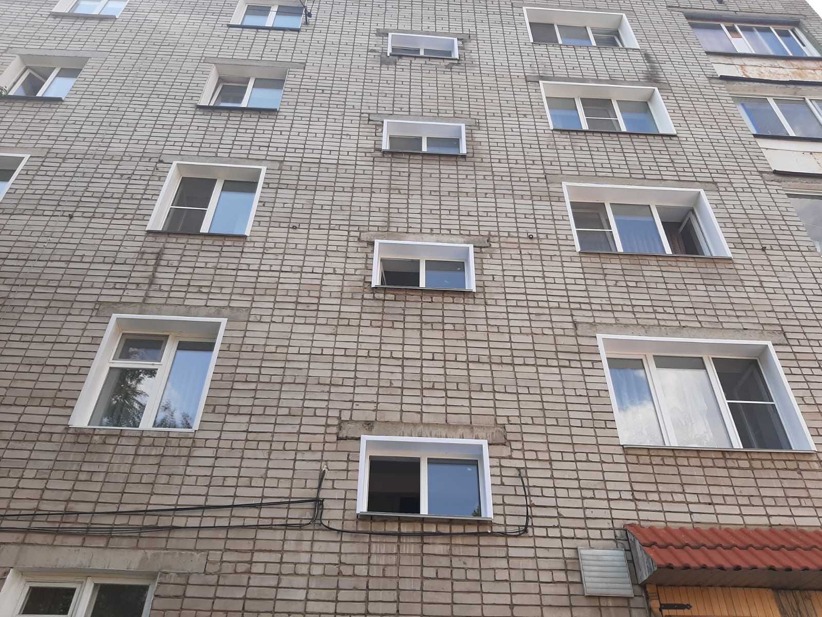 Улица Широнинцев дом 13. Подрядчик закончил установку