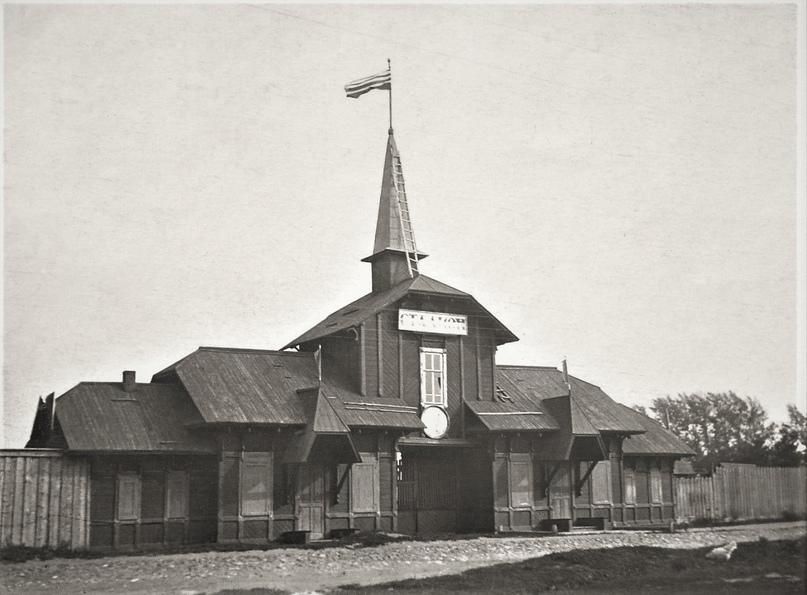 В Кимрах несколько лет стоит и разрушается деревянная постройка начала XX в.