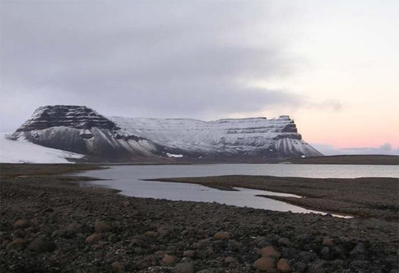 Земля один огромный древний карьер, изображение №47