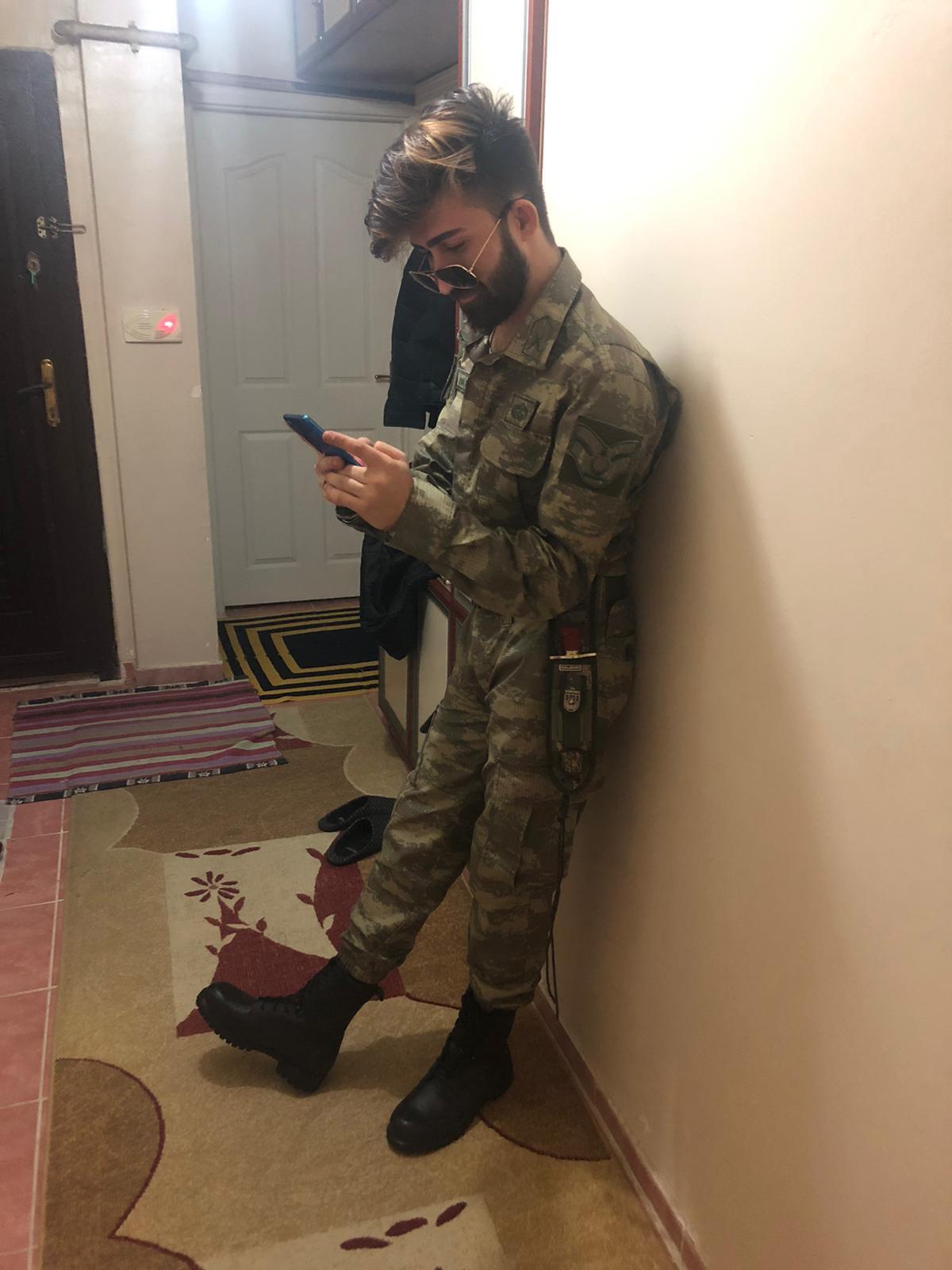 Viktor, 24, Ankara