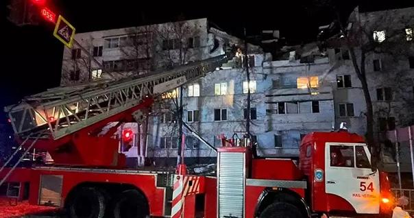 Спасатели достали из-под завалов дома в Набережных...