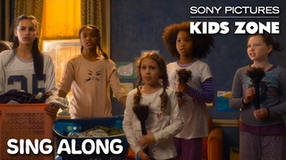 """Annie (2014) - """"It's The Hard Knock Life"""" Sing Along   Sony Pictures Kids Zone"""