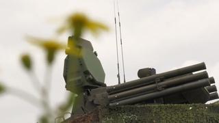 Тренировка с боевыми расчетами ЗРПК «Панцирь-С1» и ЗРС С-400 «Триумф» на авиабазе Хмеймим в Сирии