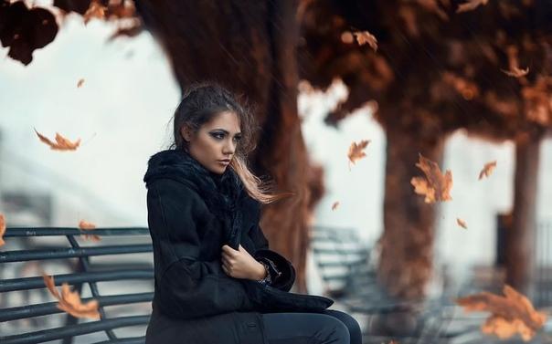 Незаконченное дело Идем, прошелестело у нее над ухом. Лилька вздрогнула и уронила книгу. Первое, что она почувствовала жуткий холод, который просочился внутрь и сковал дыхание. Затем она увидела