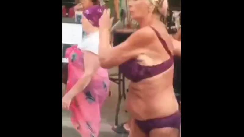 Я уже в предвкушении летнего куража: море солнце и сладенькие девочки в купальниках