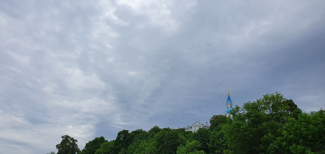 Колокольня Спасо-Преображенского собора, вид из монастырской бухты