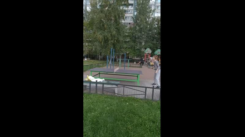 В Москве марафон а в Питере теннис