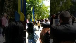 """Мой город Н: В Николаеве на 9 мая мальчик пел песню, как он """"хочет в Россию, домой"""""""